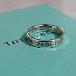 Tiffany & Co. Classic Silver 1837 Ring Size 7